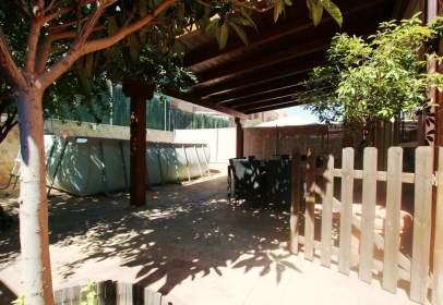 Casa pareada en calle Benito Perez Galdos