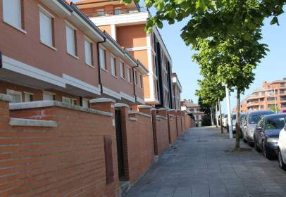 Paired house in calle Clara Campoamor