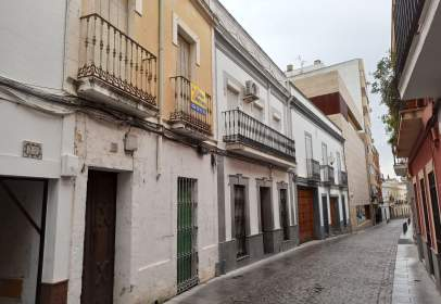 Paired house in calle de San Salvador, nº 20