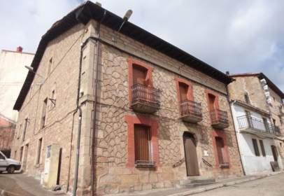 Casa pareada en calle Iglesia