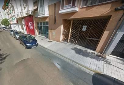 Garage in calle de Cuacos de Yuste, nº 5