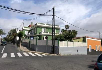 Casa adosada en calle de la Tornera, nº 15