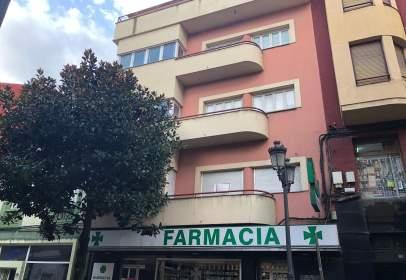 Building in Avenida de la Puebla, 23, near Calle del Río Urdiales