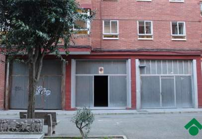 Almacén en calle de Málaga