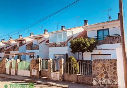 Casa adossada a calle Cádiz