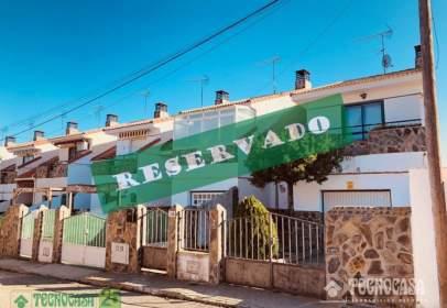 Casa adosada en calle Cádiz