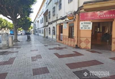 Local comercial en Las Delicias-Girón-25 Años de Paz