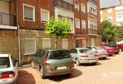 Flat in calle Gil de Hontañón