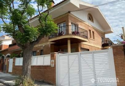 Casa aparellada a Vilassar de Mar