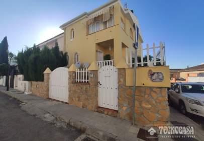 Casa pareada en La Zubia