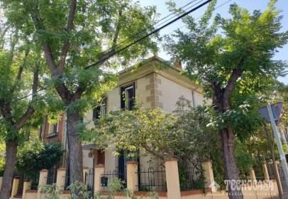Casa pareada en calle Condes de Torreanaz
