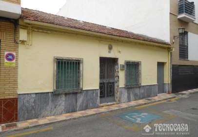 Casa adossada a Zona calle Poniente-Avenida Cristóbal Colón