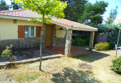 Casa unifamiliar a calle Peñacabra