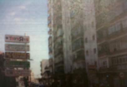 Flat in calle 28 de Febrero, nº 69
