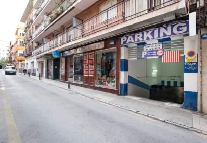 Garatge a calle Almona de San Juan de Dios