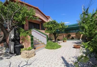 Terraced house in Santa Oliva