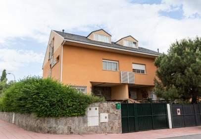 Casa aparellada a calle del Parral, 62