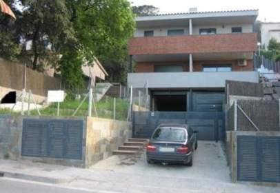 Casa adossada a Montornès del Vallès
