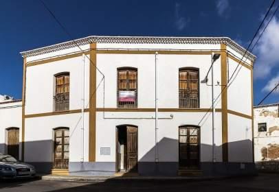 Casa en calle Miguel Solves, 21