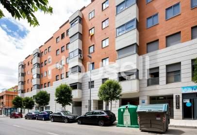 Duplex in calle de la Hiniesta, near Calle de Nuestra Señora de las Mercedes