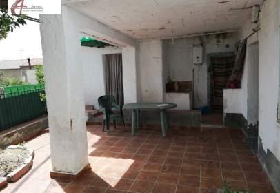Casa en calle de Moraleda, 58