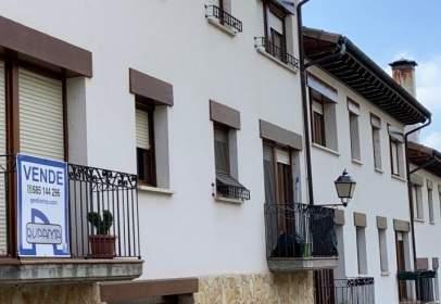 House in calle Santa Cruz