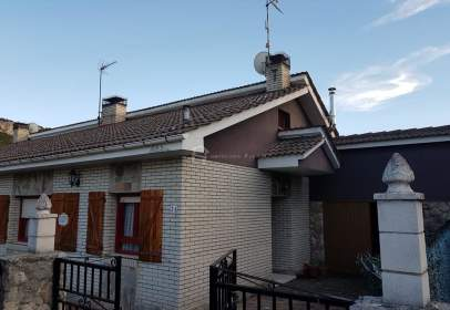 Casa adossada a El Ribero