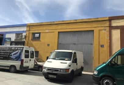 Nave industrial en calle Newton