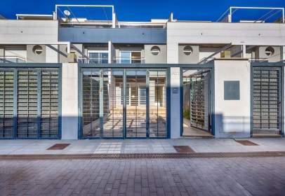 Casa adossada a Avinguda Mar, 88, prop de Carrer Costa Canaria