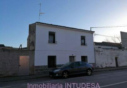 Finca rústica a calle Ramón y Cajal, nº 8