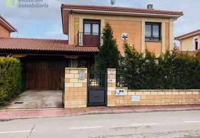 Xalet a calle Paseo de La Tejera, nº 18