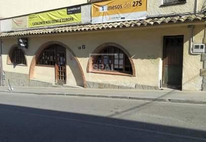 Local comercial a Avenida Escoles