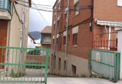 Commercial space in calle Carrer Mossèn Cinto Verdaguer