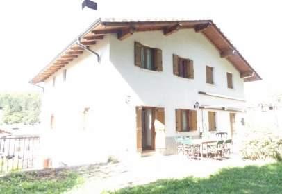 Casa pareada en Jaunsarás - Jauntsarats