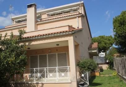 Terraced house in Platja de Calafell