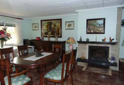 Chalet in calle Cuarta