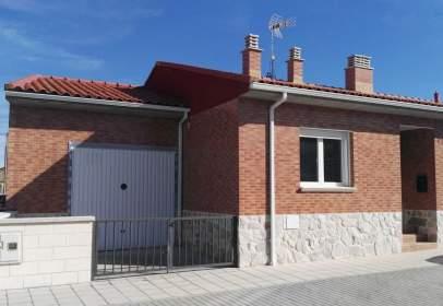 Casa pareada en calle Lavadero