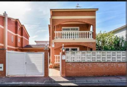 Casa aparellada a Rocamar