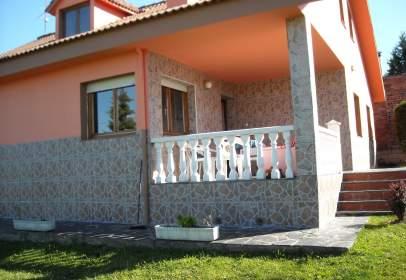 Chalet en calle Orbigo, nº 4