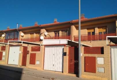 Casa adossada a Ribera Alta del Ebro - Grisén