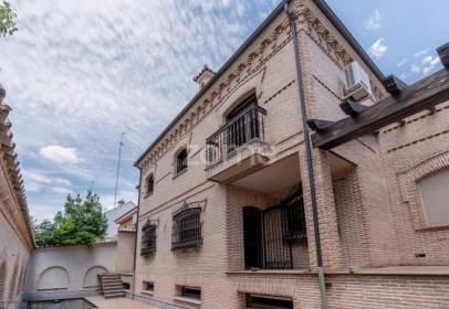 Casa adossada a calle Herradura, nº 5