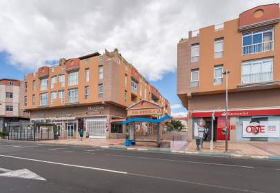 Flat in Avenida de las Canarias, near Calle Diego de Alcalá