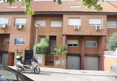 Casa adossada a calle calle Jovellanos