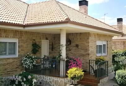 Casa unifamiliar en Lozoyuela
