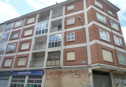 Flat in calle Mencia de Velasco, nº 11