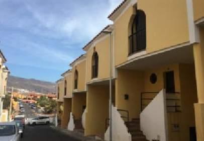 Casa pareada en calle Estrelitzia, nº 35
