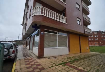 Commercial space in calle de Esla, nº 4