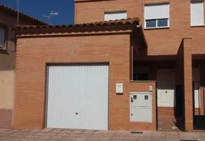 Casa a calle Teniente Alejandro Garcia Velasco, nº 24