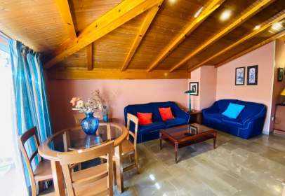 Apartment in Pajaritos-Plaza de Toros