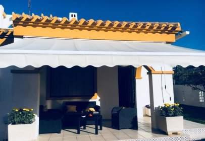 Casa a Pueblo Latino
